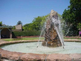 HDParkFountain.jpg