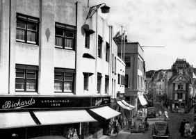 Picture gallery of shops of the past - theislandwiki